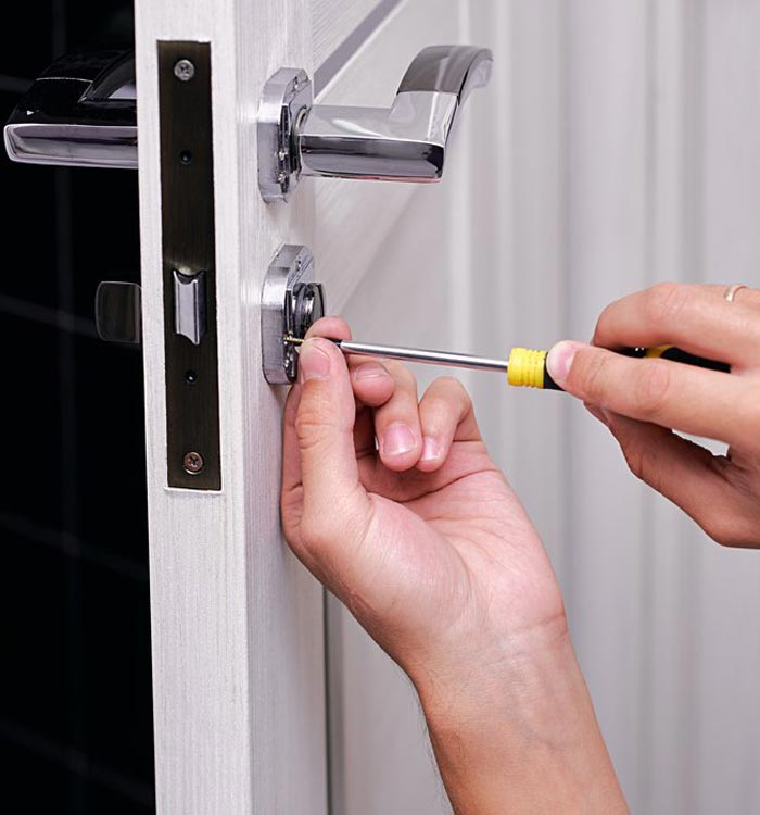 Fitting a door lock